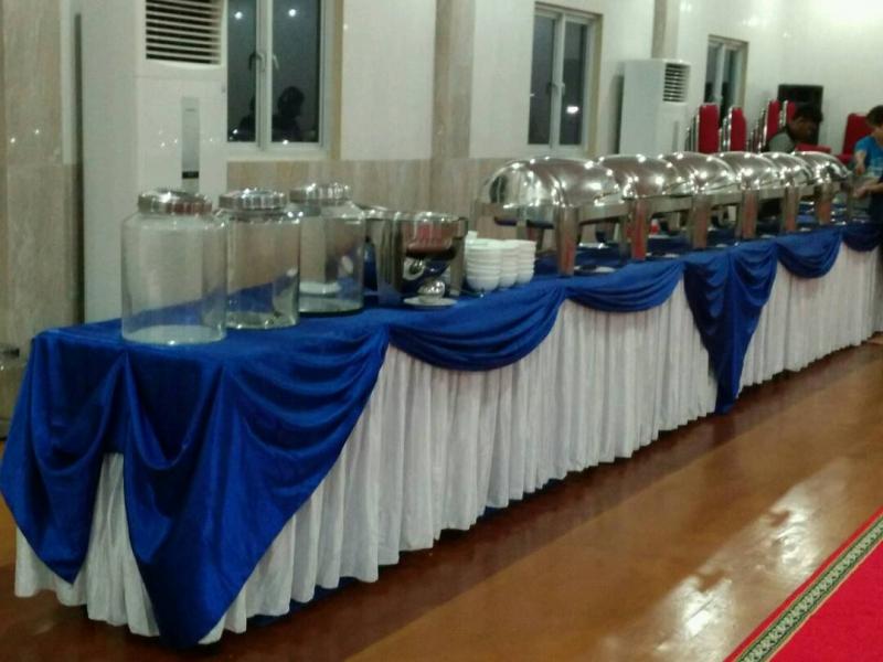 Prasmanan Pesta Pernikahan Sederhana di Rumah