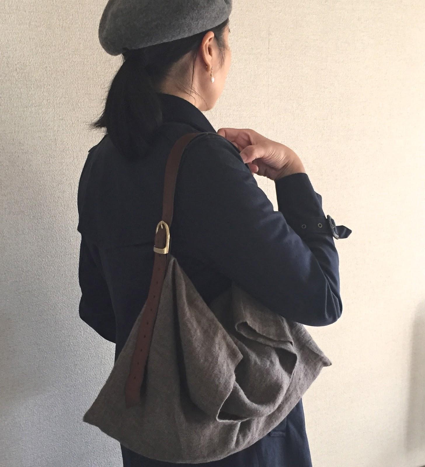 ラミーリネンと革のバッグ