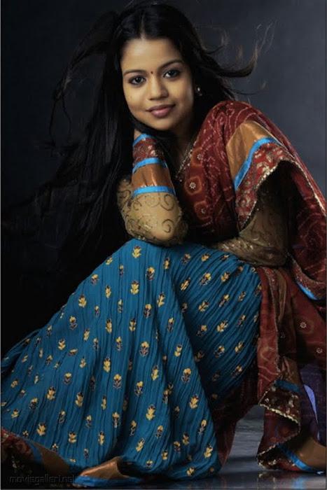 Nude Tollywood Slike Bhavya igralka Wet V Saree-7840