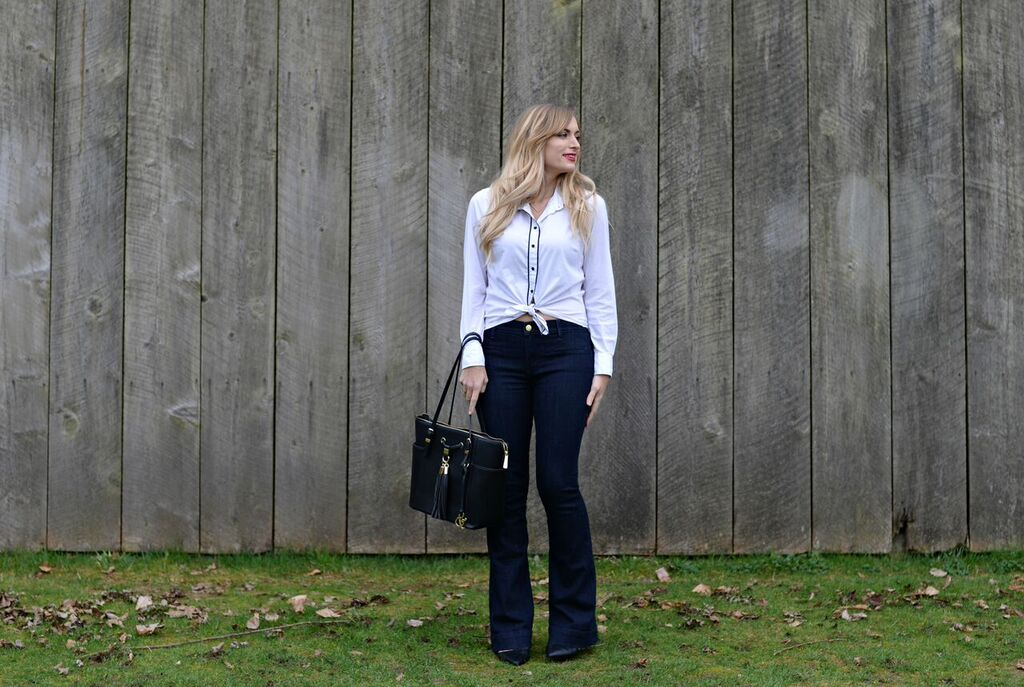 flared-jeans-outfit-in-your-thirties