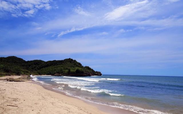 Wisata Alam Pantai Gerangan