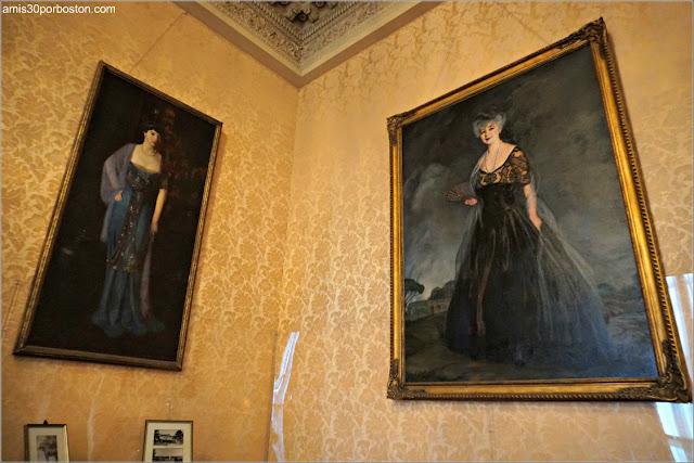 Cuadros de Retratos en el Salón de la Mansión Rosecliff, Newport