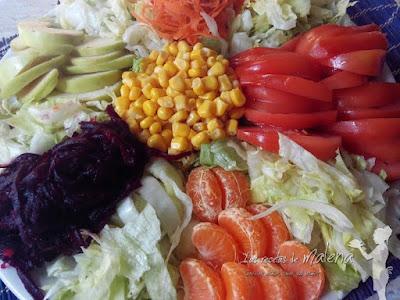Ensalada multicolor de frutas y hortalizas