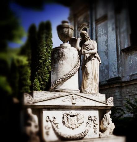 Manastirea Frumoasa - Monumentul familiei Sturdza