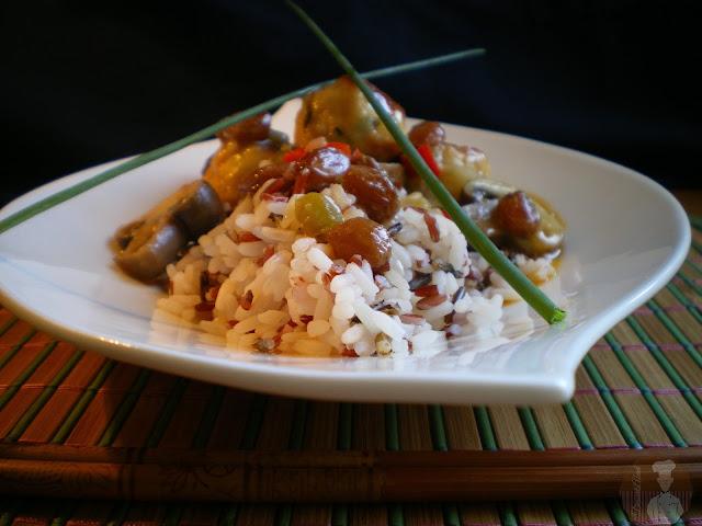 Albóndigas de pollo con salsa de coco al curry