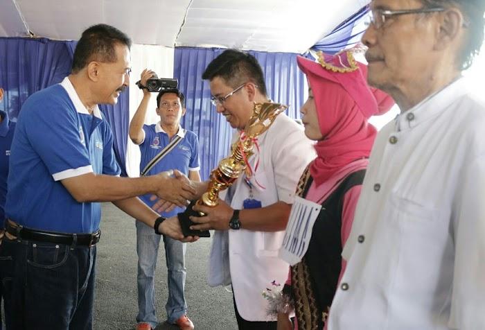 HKN ke-53, Gubernur Ridho Bantu Operasi Katarak Gratis 270 Pasien