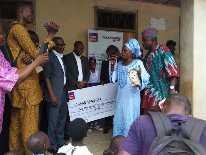 Female SS2 Student Who Returned Lost N18,000 In Ogun Gets N200,000 Reward (Photos)