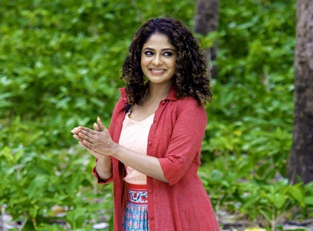 Poornima Indrajith-anchor made for each other2
