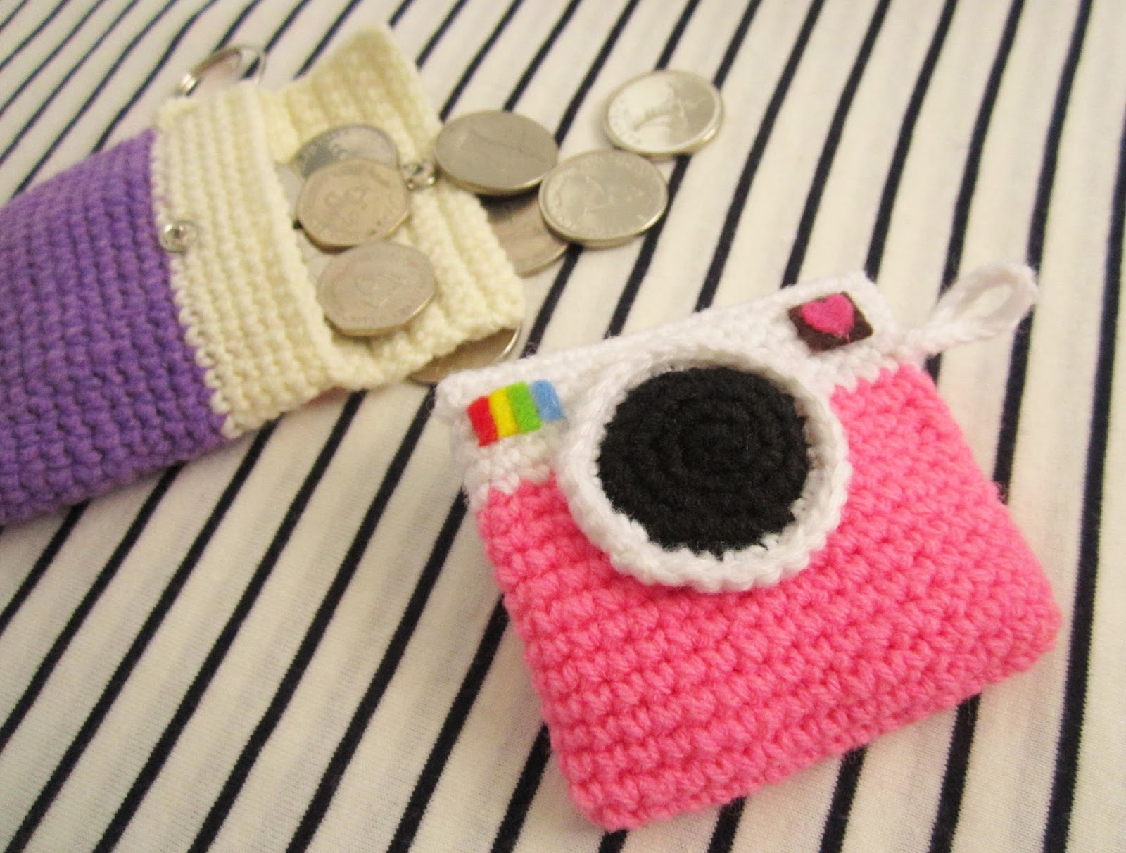 Camera coin purse crochet pattern - A little love everyday!