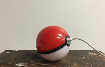 Pokeball Topu Şeklinde El Yapımı Taşınabilir Powerbank