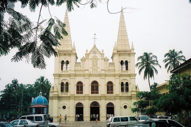 6-Santa-Cruz-Basilica