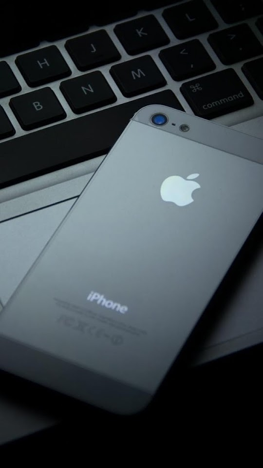 Black iPhone 5 On The Keyboard   Galaxy Note HD Wallpaper