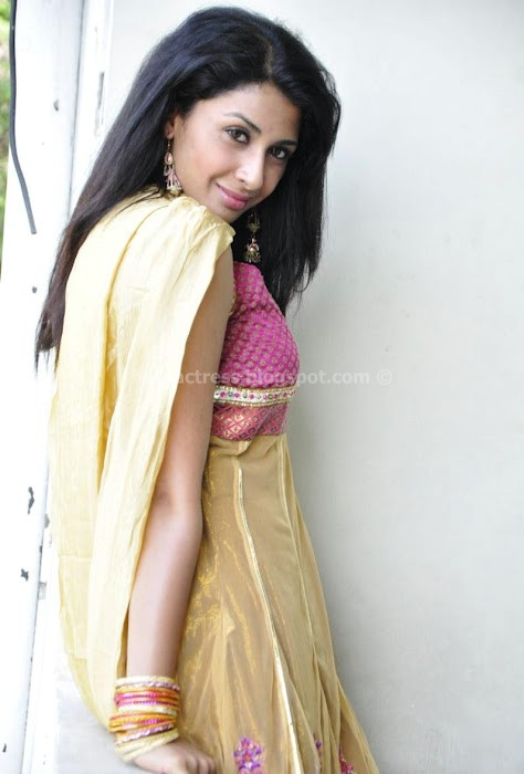 Gayatri Showing Photo Shoot Gallery