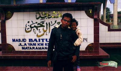 Alasan Melakukan Traveling Bersama Anak Ke Tempat Yang Mengandung Edukasi.