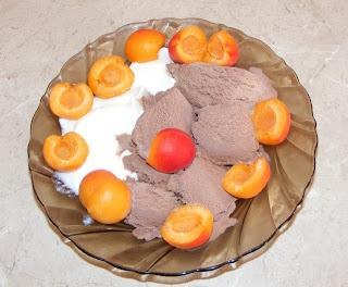 Inghetata cu iaurt si fructe retete culinare,