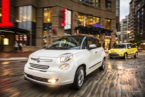 Fiat 500L on the street