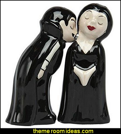 Vampire Salt and Pepper Shaker  Gothic kitchen decor - gothic kitchenware - gothic dinnerware - skulls kitchen decorations - bat kitchen decor  dracula  vampires - Halloween kitchen decorating - skeletons kitchen decor -  zombie kitchen stuff - Gothic home decor - Gothic wall decor