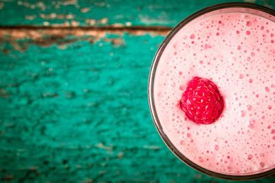 Berry%2BSkinny%2BSuperfood%2BSmoothie%2B%2B %2B%2BGuestpost - Berry Skinny Superfood Smoothie