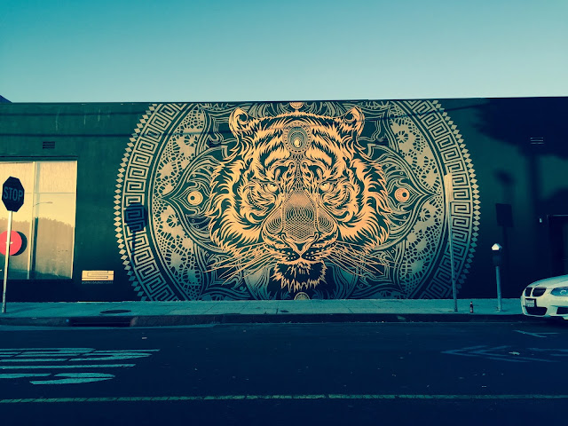 Chris Saunders just emailed us a series of high-resolution images from his newest mural which was just completed somewhere on the streets of Los Angeles, USA.