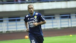 Persib Bandung Siapkan Raphael Maitimo Main Lawan PS TNI