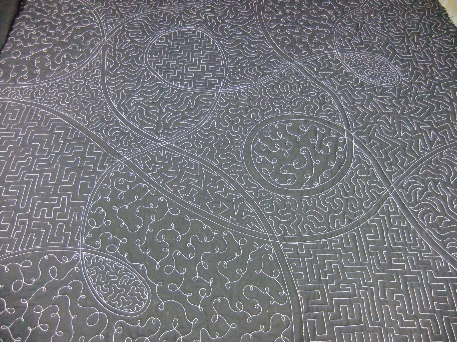 The Free Motion Quilting Project: Quilt Along #21: Filling a ... : what is stippling in quilting - Adamdwight.com