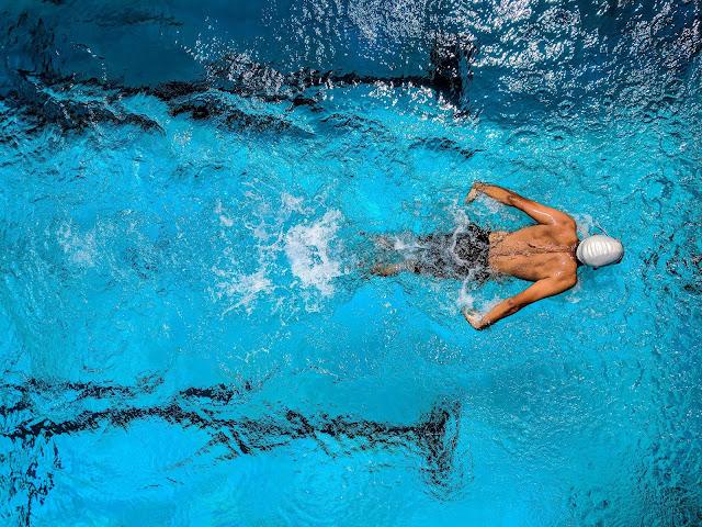 5 Manfaat Berenang di Pagi Hari Untuk Kesehatan