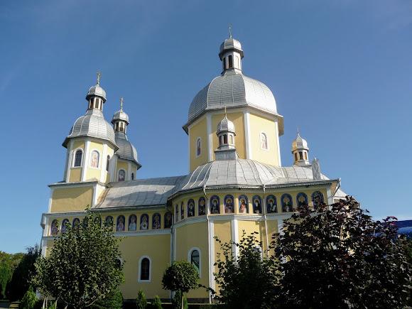 Банчени. Свято-Вознесенський монастир. Свято-Вознесенська церква