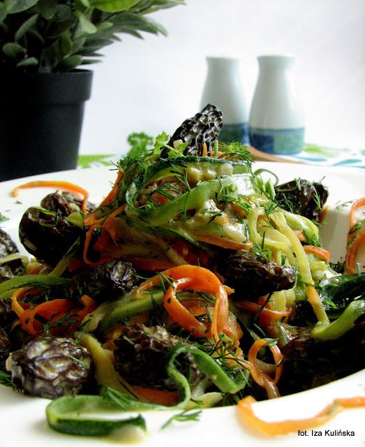 Wstążki warzywne ze smardzami
