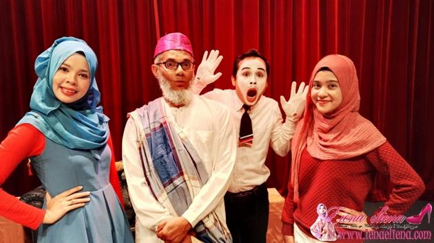 Bersama orang kuat Tronoh Theatre Shop – Dr. Shark dan juga Ash Si Mimer dan rakan blogger Dilla
