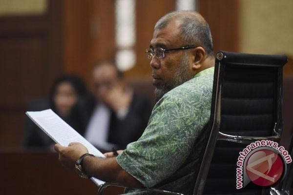 Hakim: Uang Rp 2 Miliar untuk Patrialis tak Terbukti