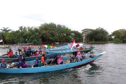 Yuk Menyusuri Sungai Bengawan Solo Naik Perahu