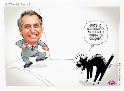 Jair Bolsonaro, em entrevista à Rede Arapuan de Rádio, anunciou nesta sexta-feira que, se eleito, criará uma secretaria para tratar dos direitos dos animais.  Que fofo!  Vai ter muita gente se disfarçando de cachorro, gato, galinha e outros bichos para não ser fuzilado!