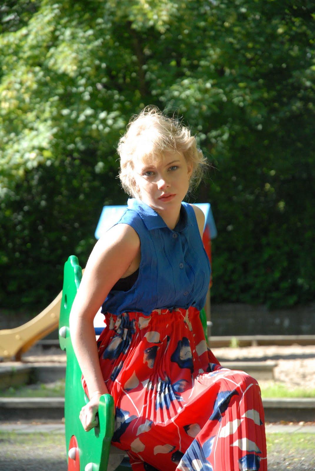 La Rue de Random DIY Red and Blue Floral Dress Lolita at playground