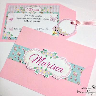 convite de aniversário infantil artesanal personalizado jardim encantado envelope tag floral rosa e azul vintage provençal menina 1 aninho festa jardim encantado delicado