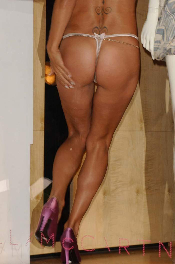 pamela anderson nude public
