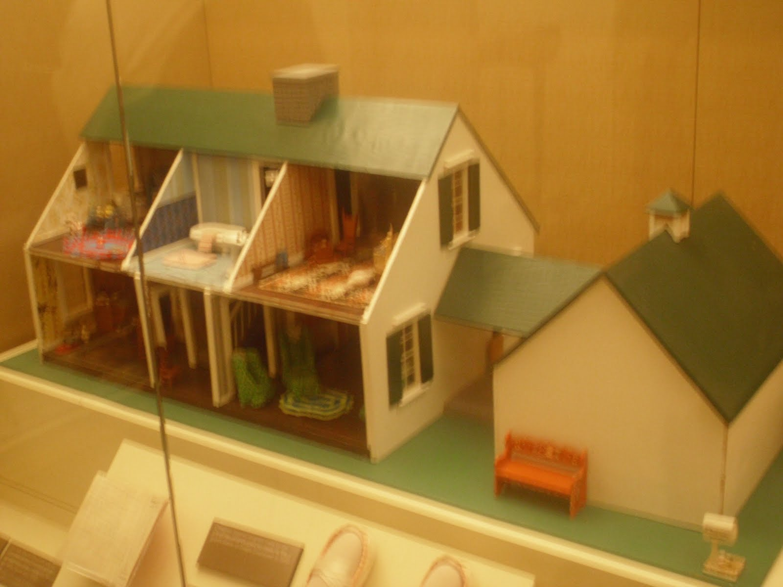 Dollhouse Exhibition And Toy: Tulsa Tiny Stuff: Smithsonian Miniature Finds