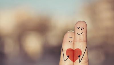 doigts-joints-amourreux-coeur