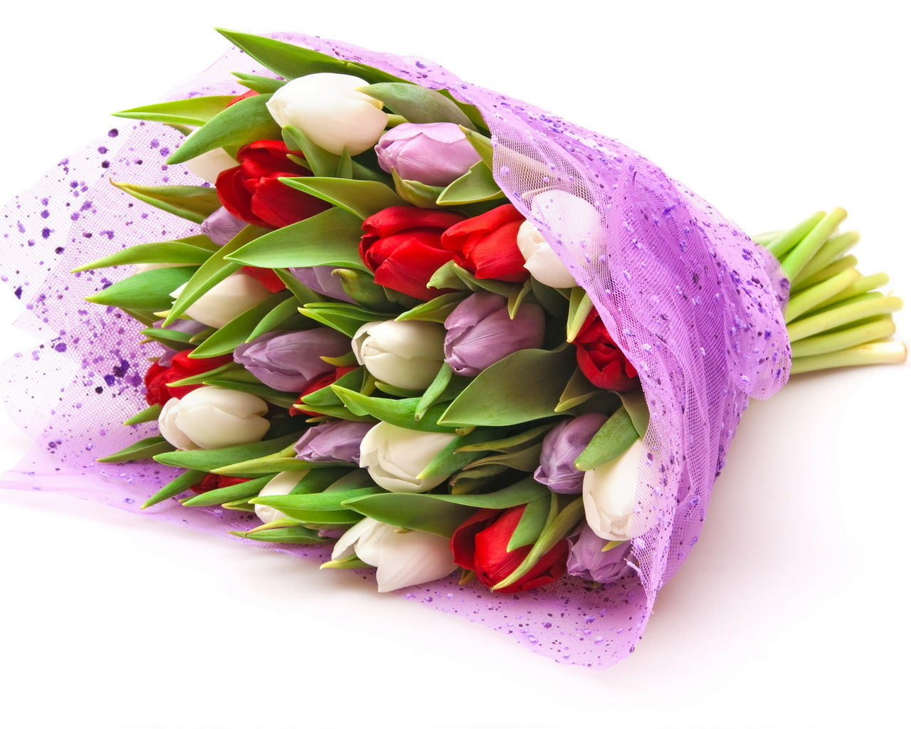 Niharika agarwal lse choose your friends favorite flowers in case your friend does not have a specific choice you may safely go in for yellow roses as these are officially izmirmasajfo
