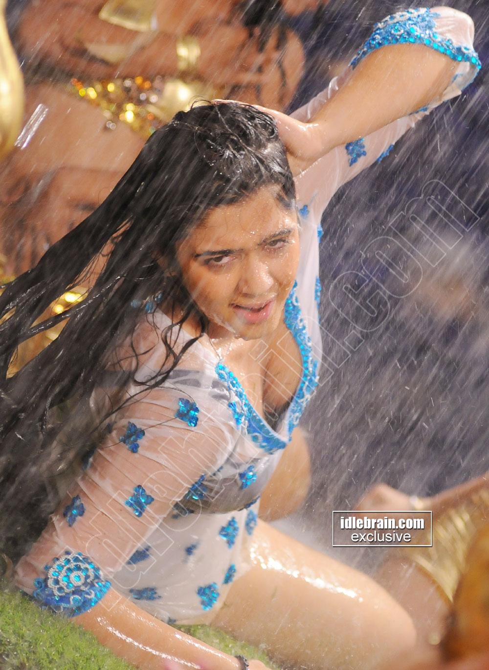 Hot Actress Horny Charmi Kaur Heavy Boob Show-7268