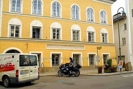 Casa onde Hitler nasceu na Áustria