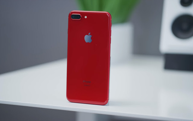 Product RED iPhone 8 Unboxing