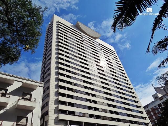 Vista ampla da fachada do Hotel Radisson Paulista - Paraíso - São Paulo