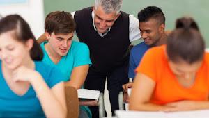 5 Tips Menjadi Mahasiswa Kesayangan Dosen