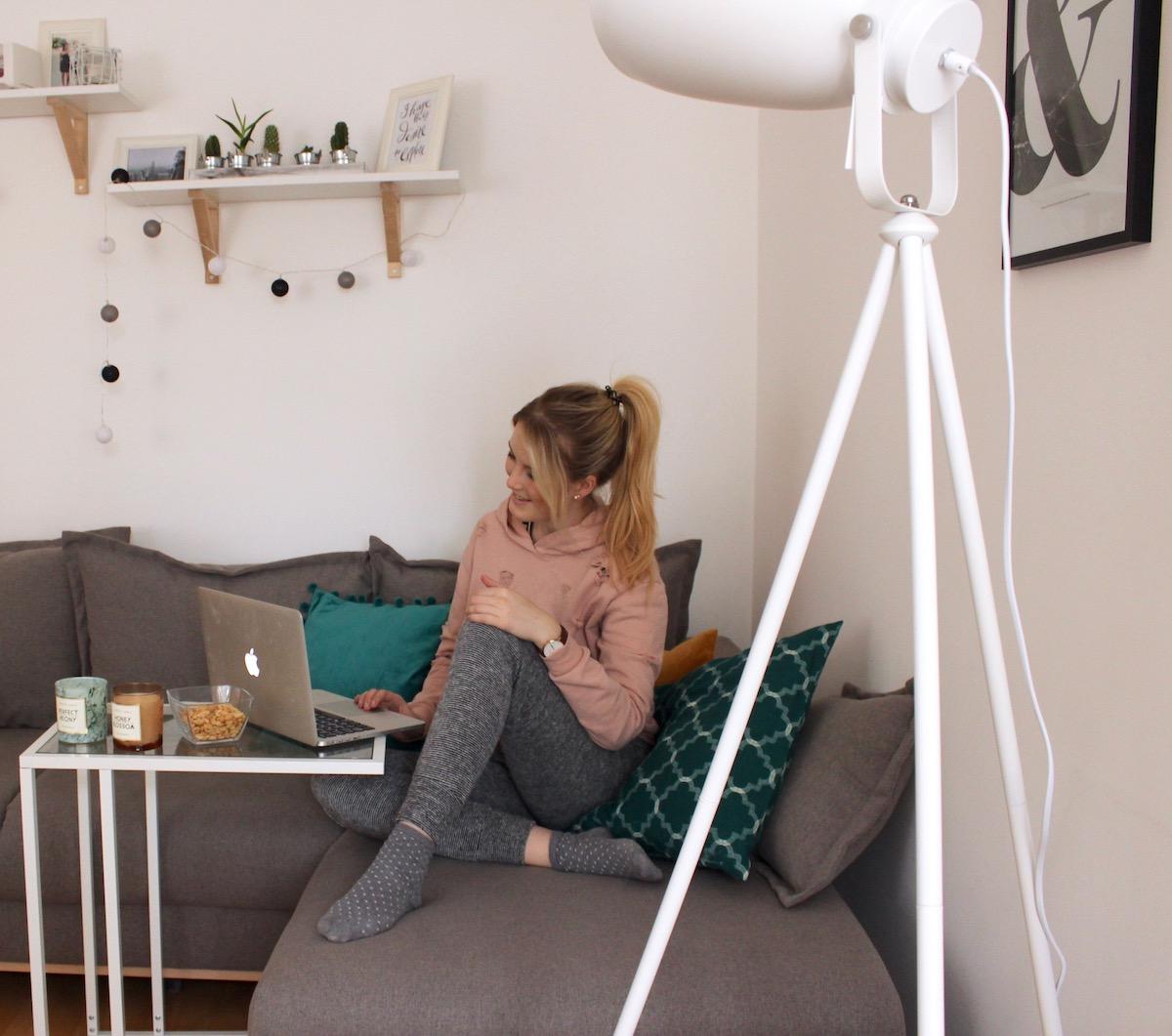 Netflix Loungewear Hoodie New Look Serien Lieblingsserie