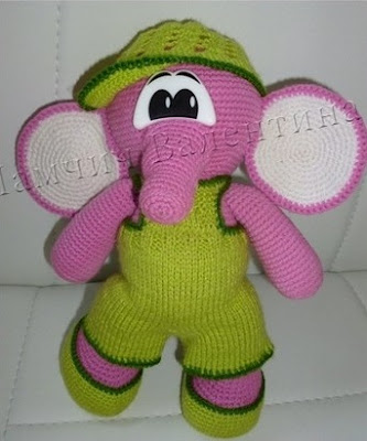 Вязаный слоненок амигуруми