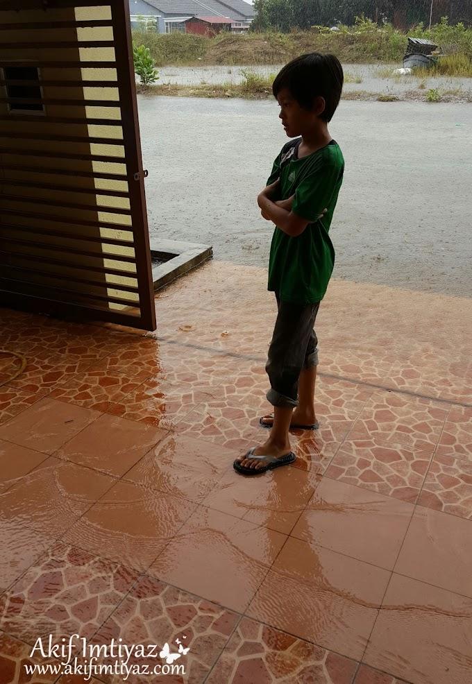 Wordless Sabtu : Hujan Oh Hujan
