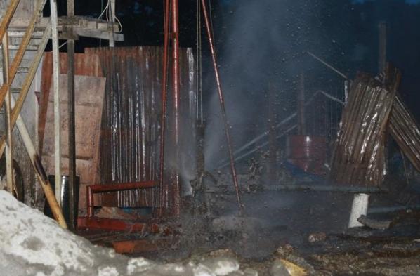 AGEN BOLA - Muncul Semburan Lumpur Campur Gas Hingga 10 Meter Di Balikpapan