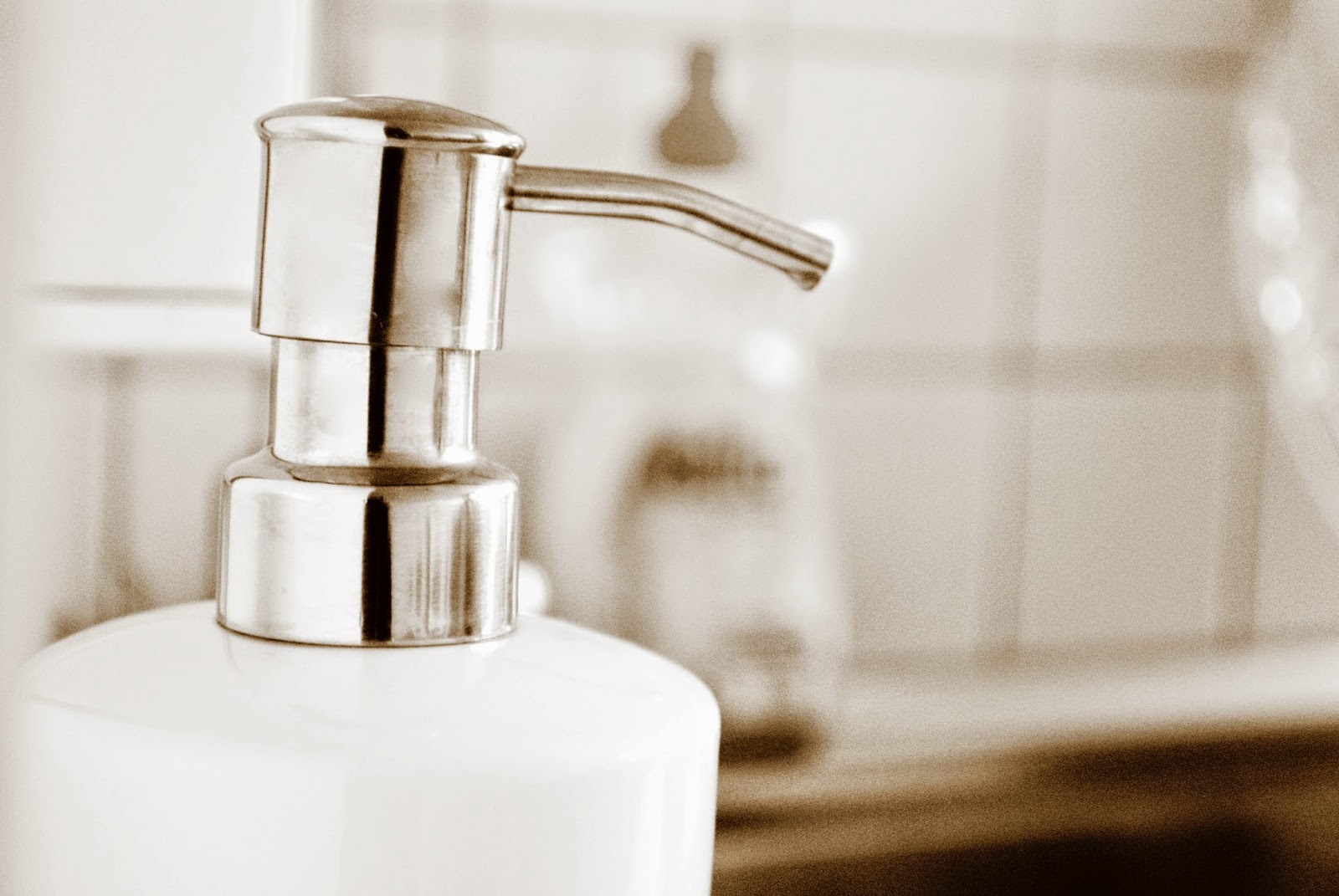 Aufbewahrung Küche - Seifenspender - Sparsam und schön!