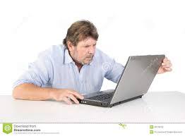 usuário computador irritado