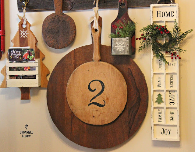 Rustic Christmas Vignettes #upcycle #repurpose #printertray #cuttingboard #drawer #buffalocheck
